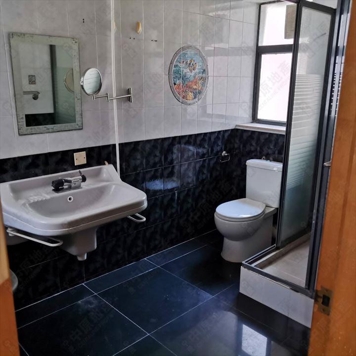 单位内部 - 主人浴室